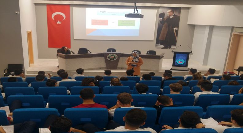 Öğrencilerimiz için YKS bilgilendirme semineri yapıldı.