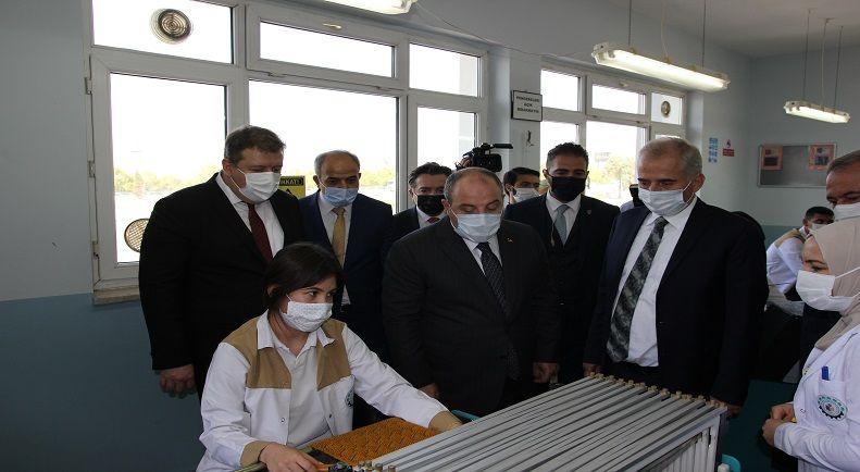 Sanayi ve Teknoloji Bakanı Sayın Mustafa VARANK Okulumuzu Ziyaret Etti
